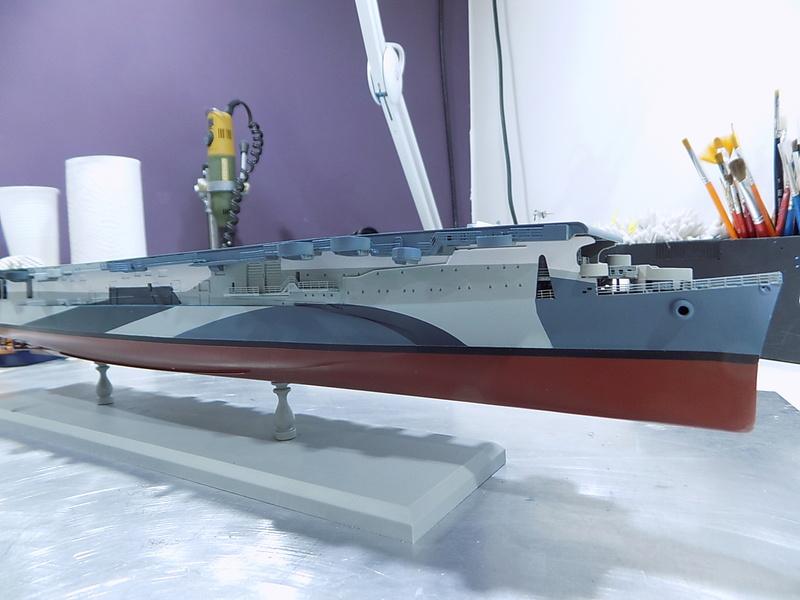 USS INDEPENDENCE CVL22 DRAGON 1/350 - Page 3 Dscn0449
