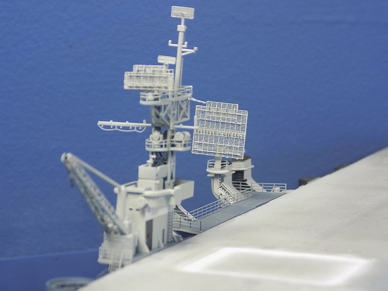 USS INDEPENDENCE CVL22 DRAGON 1/350 - Page 5 Dscn0515