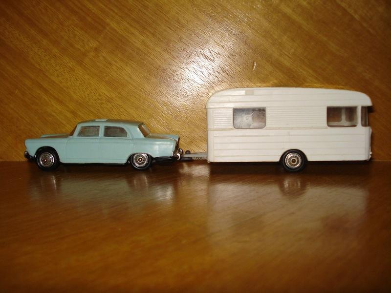 Peugeot 404 Norev et Digue Panoramic, 1/43 ème Attela11