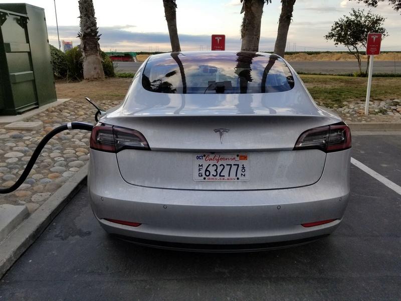 2016 - [Tesla] Model III - Page 7 Tesla-13