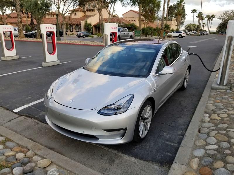 2016 - [Tesla] Model III - Page 7 Tesla-21