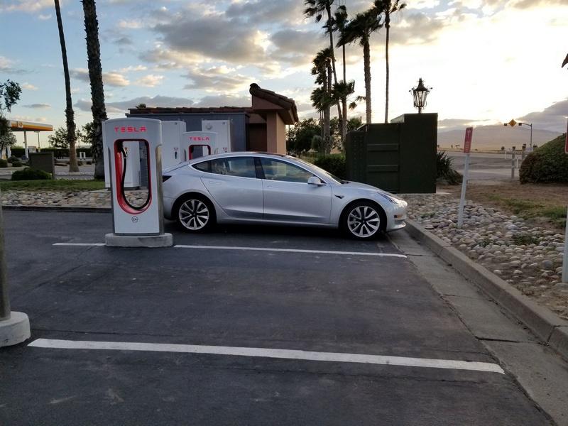 2016 - [Tesla] Model III - Page 7 Tesla-23