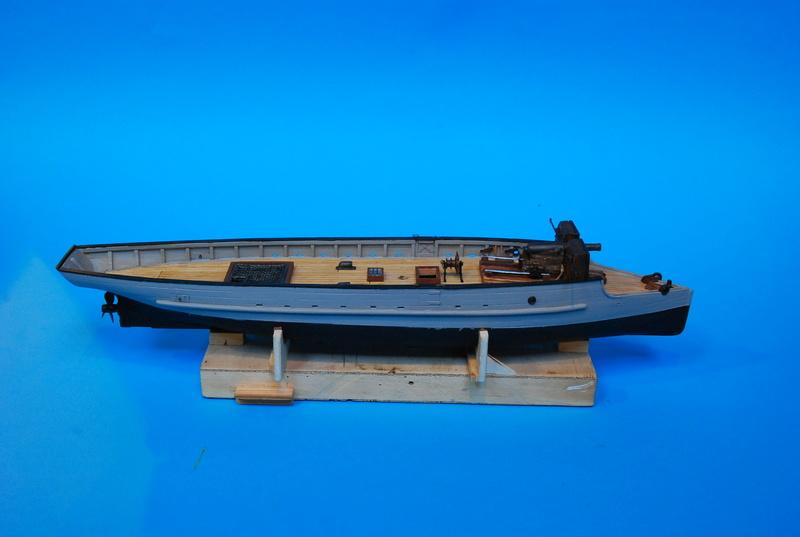 Chaloupe canonnière 1858 - 1:75 Dsc_0012
