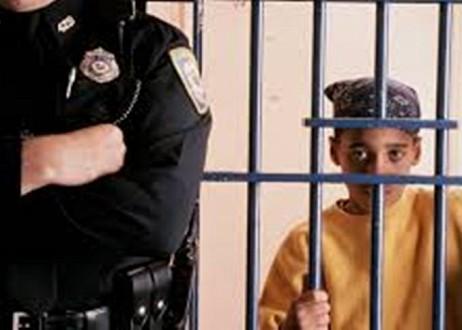Un enfant condamné pour avoir parlé de JESUS à ses amis de classe. Prison10