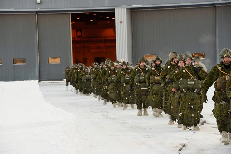 Armée canadienne/Canadian Armed Forces - Page 26 1521