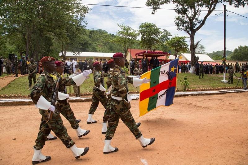 Armées de la République centrafricaine  - Page 3 18156810