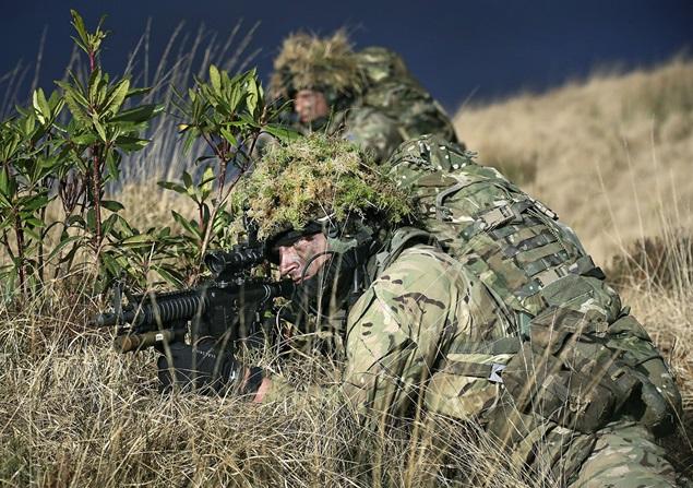 Armée Britannique/British Armed Forces - Page 4 2123