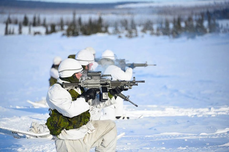 Armée canadienne/Canadian Armed Forces - Page 26 2710