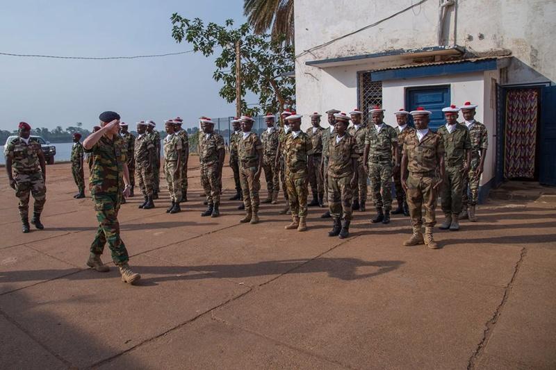 Armées de la République centrafricaine  - Page 3 3120