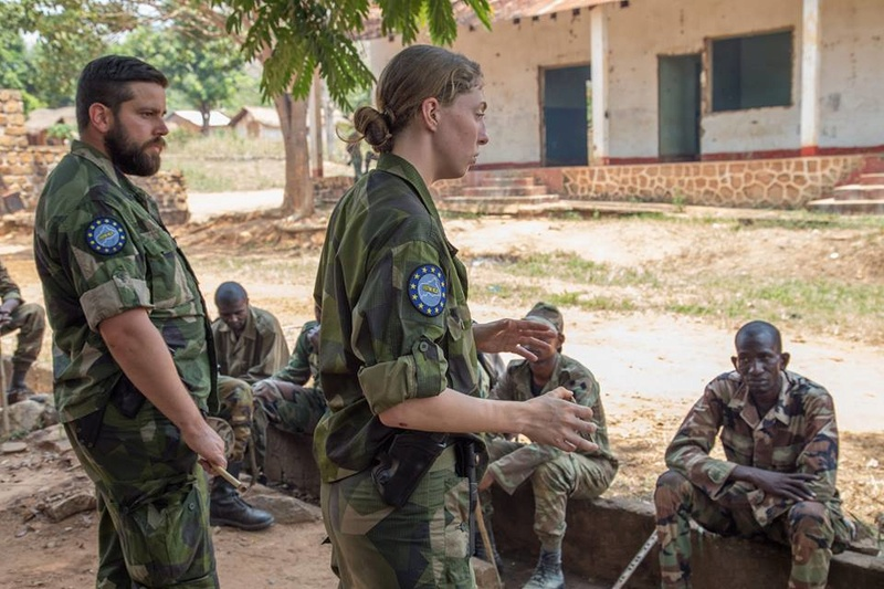 Armées de la République centrafricaine  - Page 3 3125