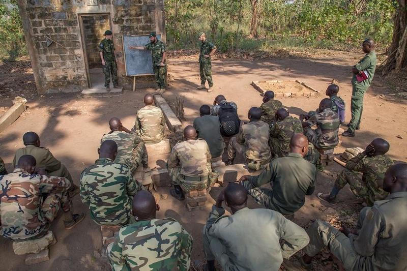 Armées de la République centrafricaine  - Page 3 3243