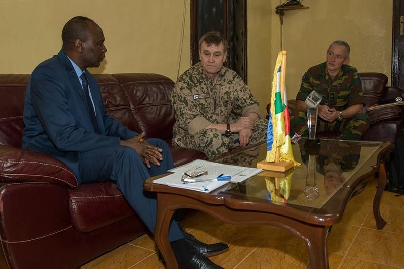 Armées de la République centrafricaine  - Page 3 3314
