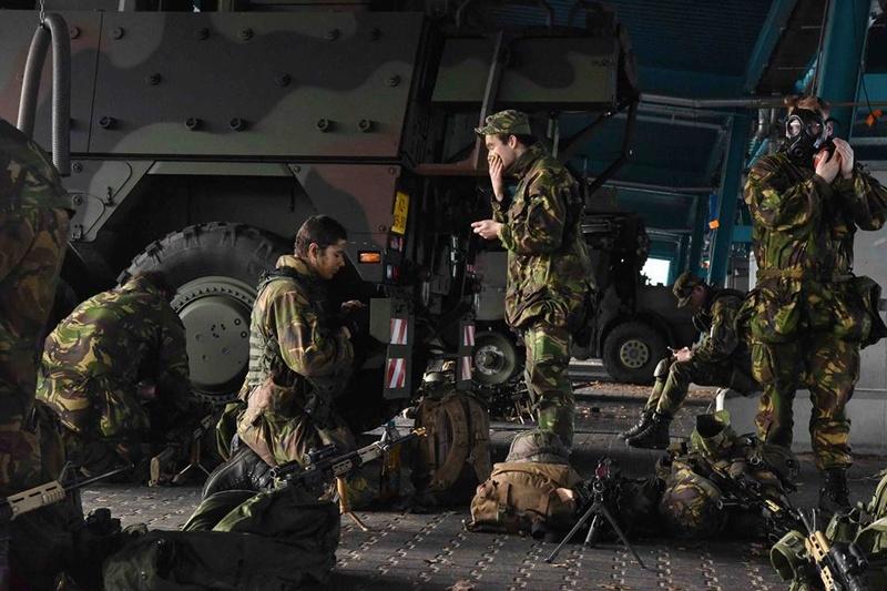 Armée Hollandaise/Armed forces of the Netherlands/Nederlandse krijgsmacht - Page 19 3315