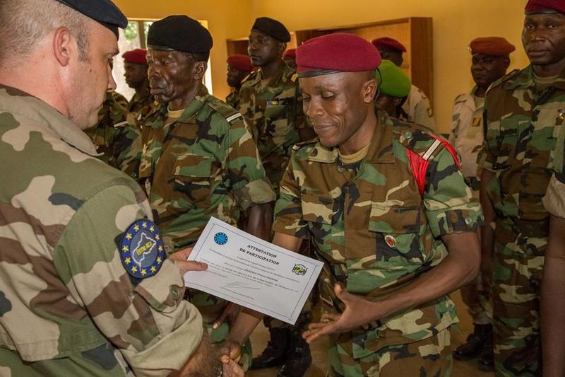 Armées de la République centrafricaine  - Page 3 3337