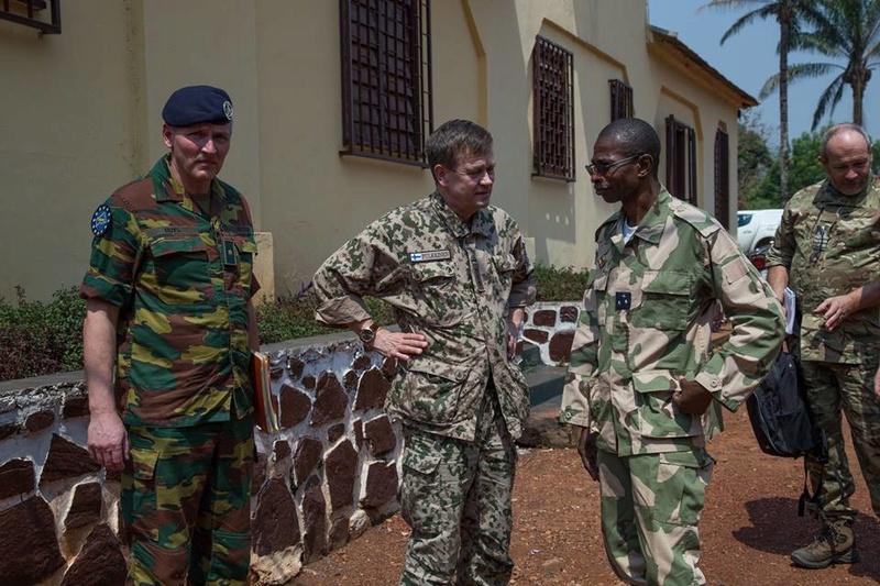 Armées de la République centrafricaine  - Page 3 3413