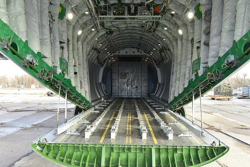 Avions de transport tactique/lourd - Page 6 3414