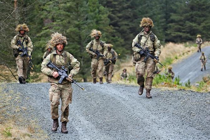 Armée Britannique/British Armed Forces - Page 4 3416