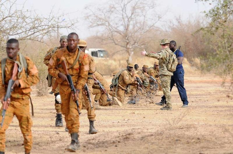 Armée nationale Burkinabé / Military of Burkina Faso - Page 4 3425