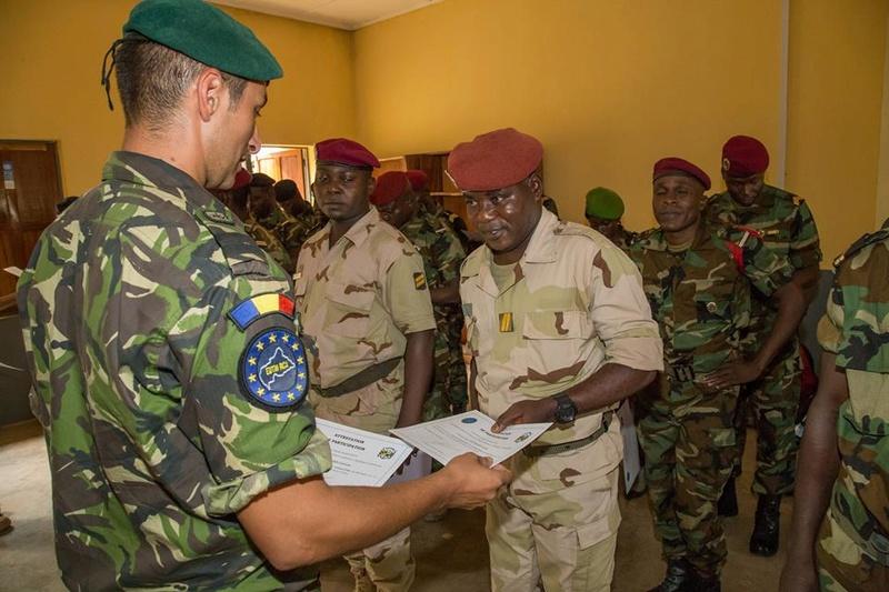 Armées de la République centrafricaine  - Page 3 3427
