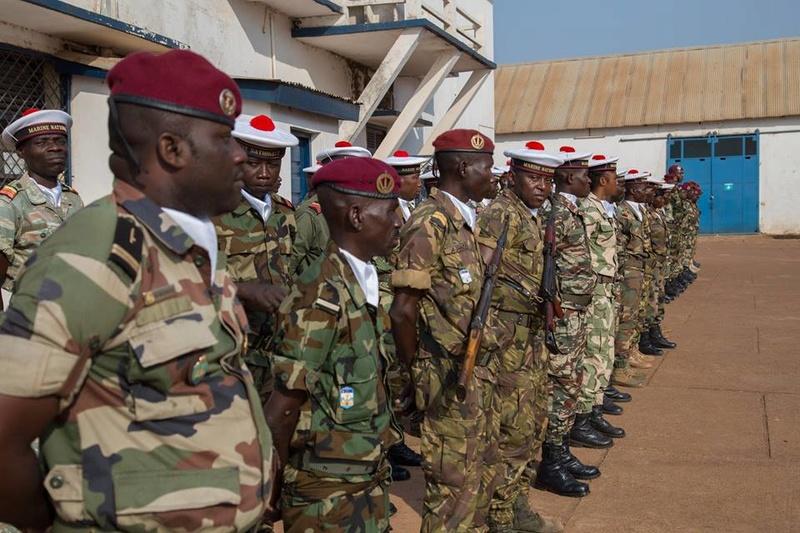Armées de la République centrafricaine  - Page 3 3429