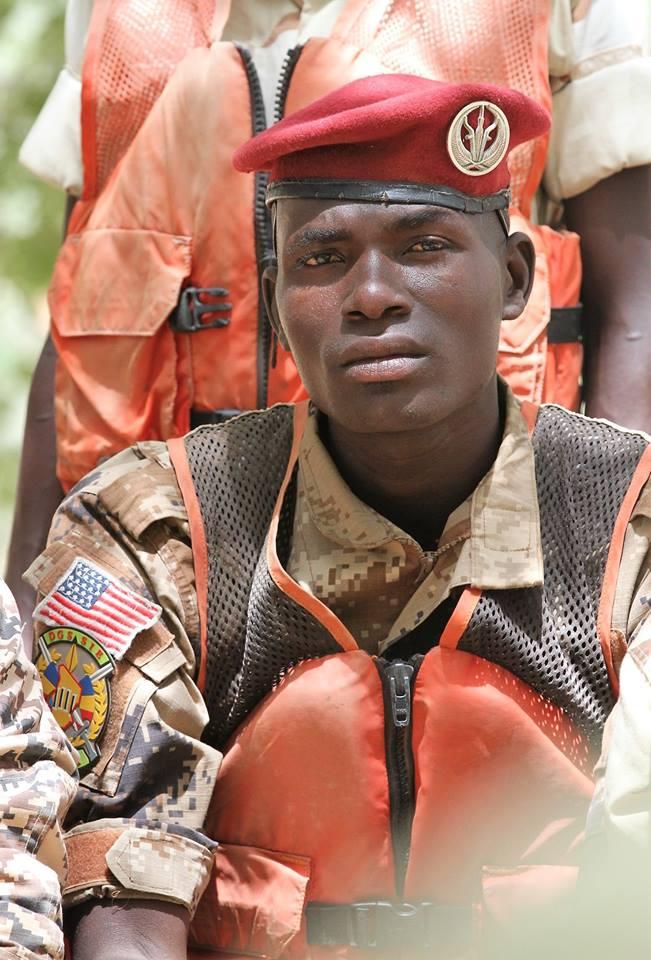 Armée Tchadienne - Page 6 3433