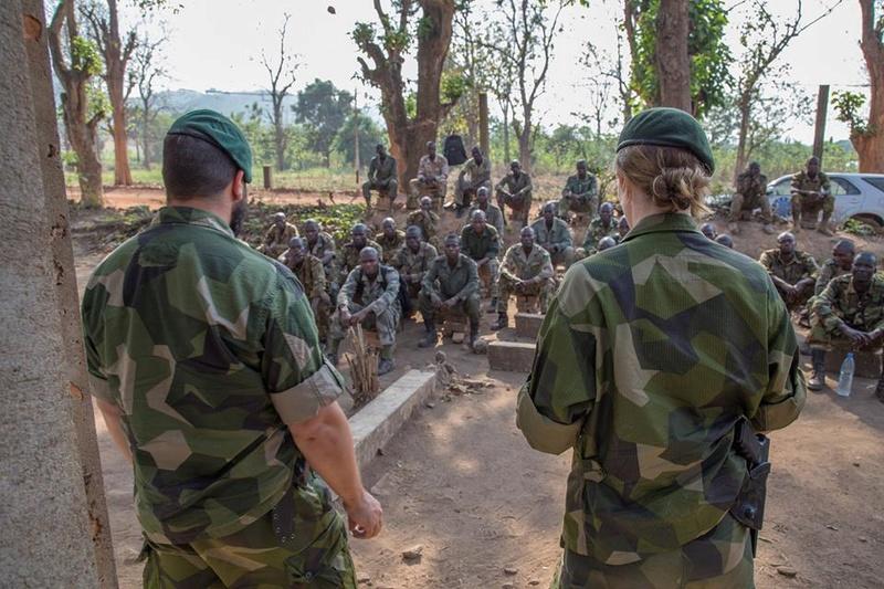 Armées de la République centrafricaine  - Page 3 3434