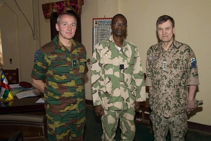 Armées de la République centrafricaine  - Page 3 4012