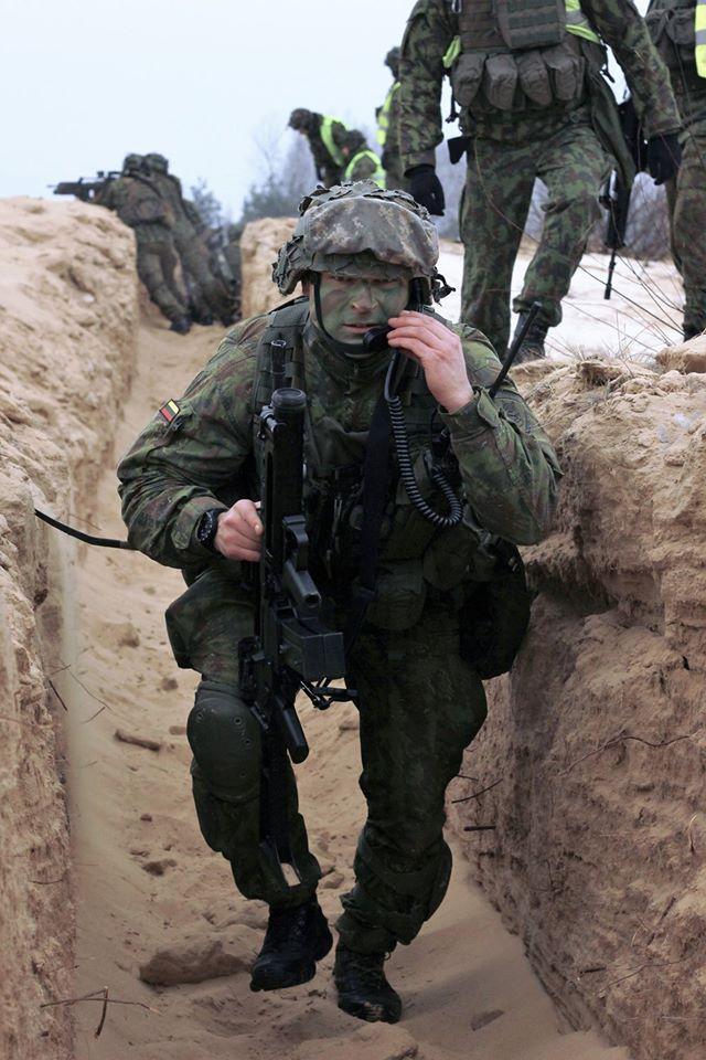 Armée lituanienne/Lithuanian Armed Forces - Page 5 4018