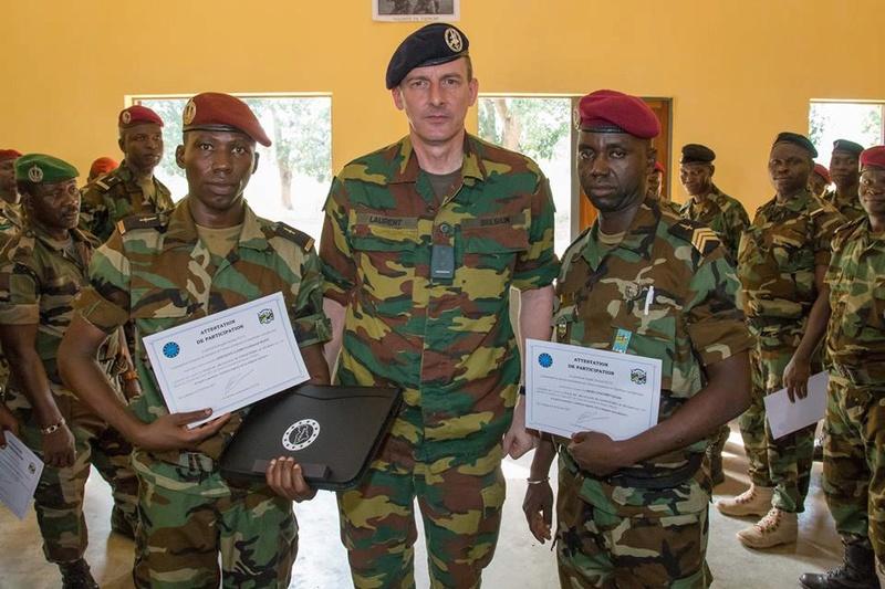 Armées de la République centrafricaine  - Page 3 4025