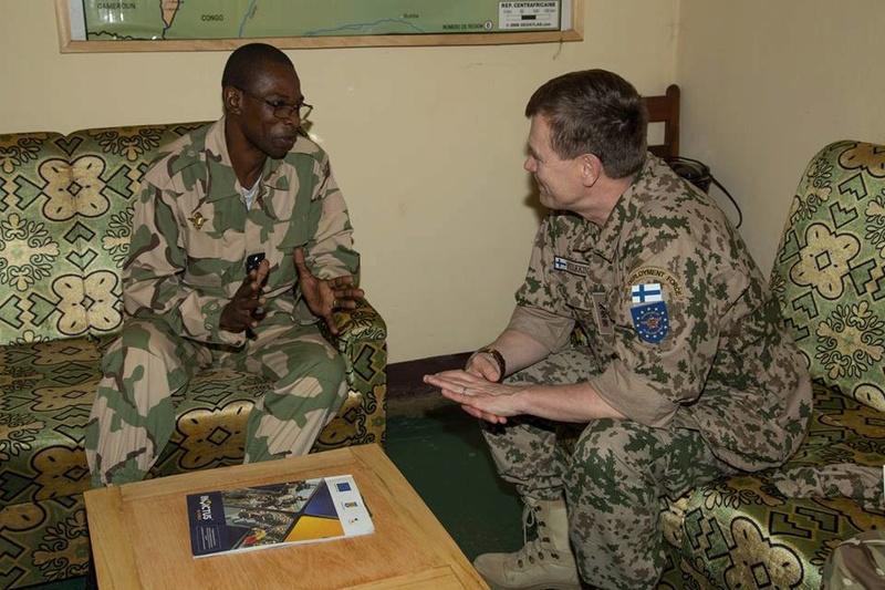 Armées de la République centrafricaine  - Page 3 4112