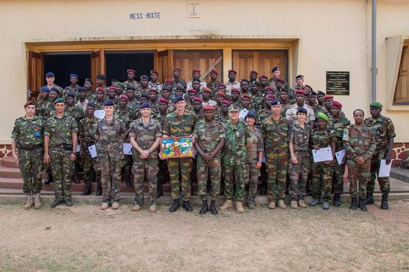 Armées de la République centrafricaine  - Page 3 4124