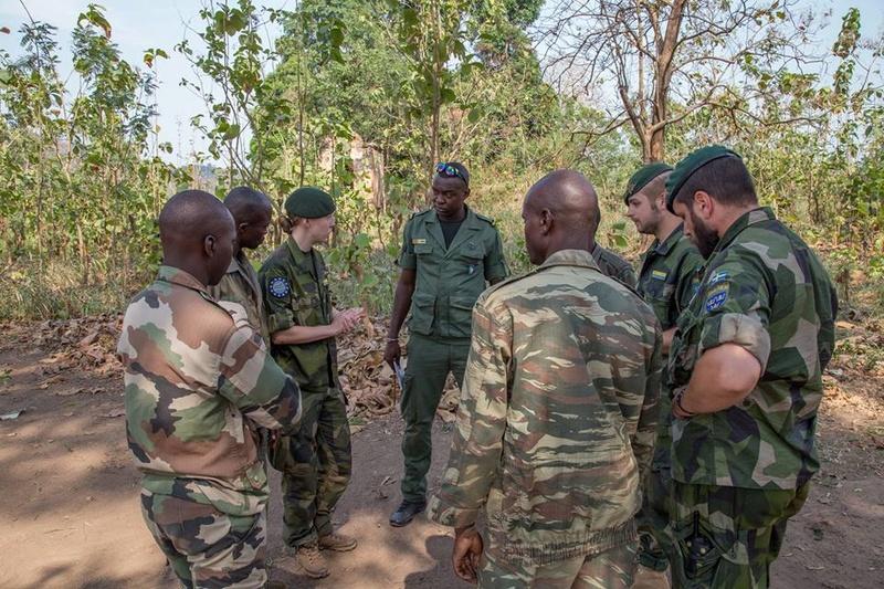 Armées de la République centrafricaine  - Page 3 4318