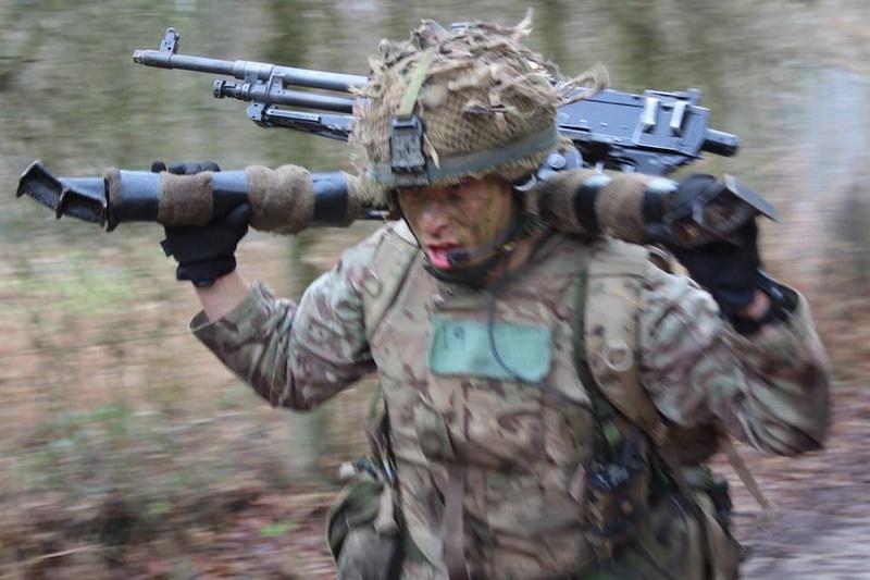 Armée Britannique/British Armed Forces - Page 4 4328