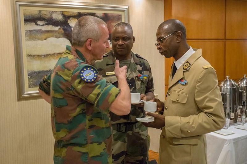 Armées de la République centrafricaine  - Page 3 4524