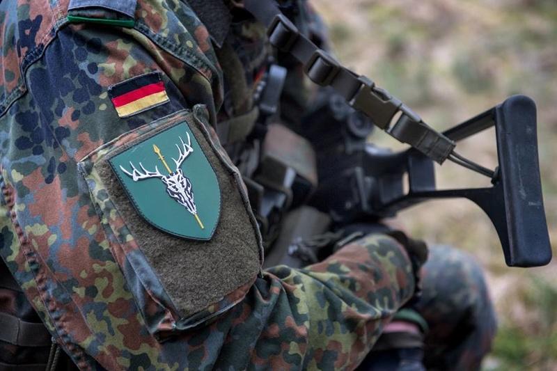 Armée Allemande (Bundeswehr) - Page 2 5023