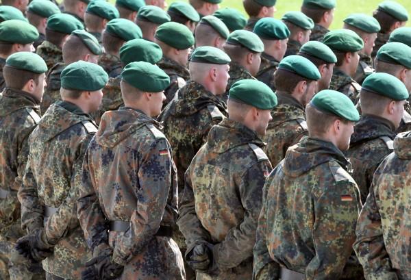 Armée Allemande (Bundeswehr) - Page 2 5035