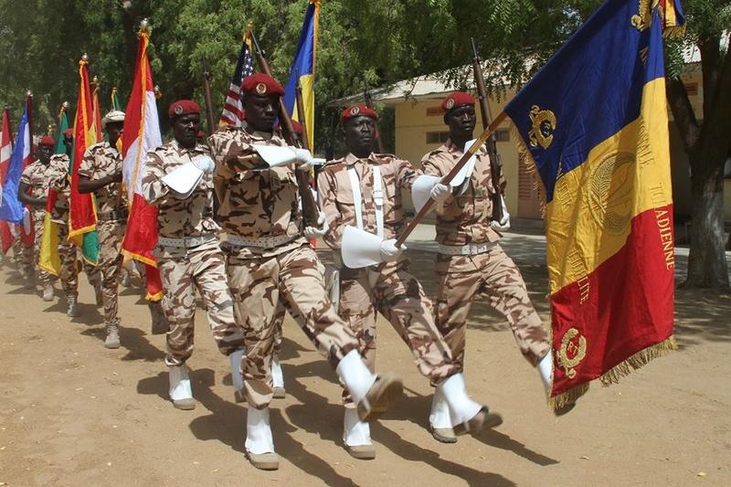 Armée Tchadienne - Page 6 5048