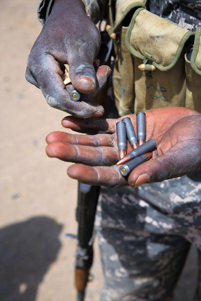Armée Tchadienne - Page 6 5121