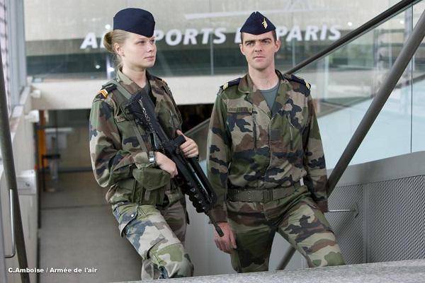 Armée Française / French Armed Forces - Page 38 5240
