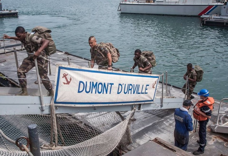 Armée Française / French Armed Forces - Page 38 5720