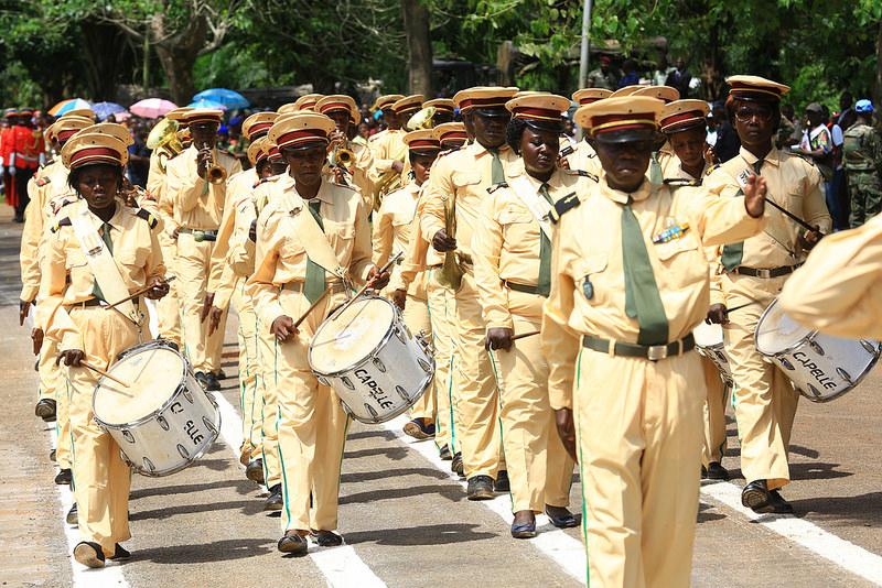 Armées de la République centrafricaine  - Page 3 6046