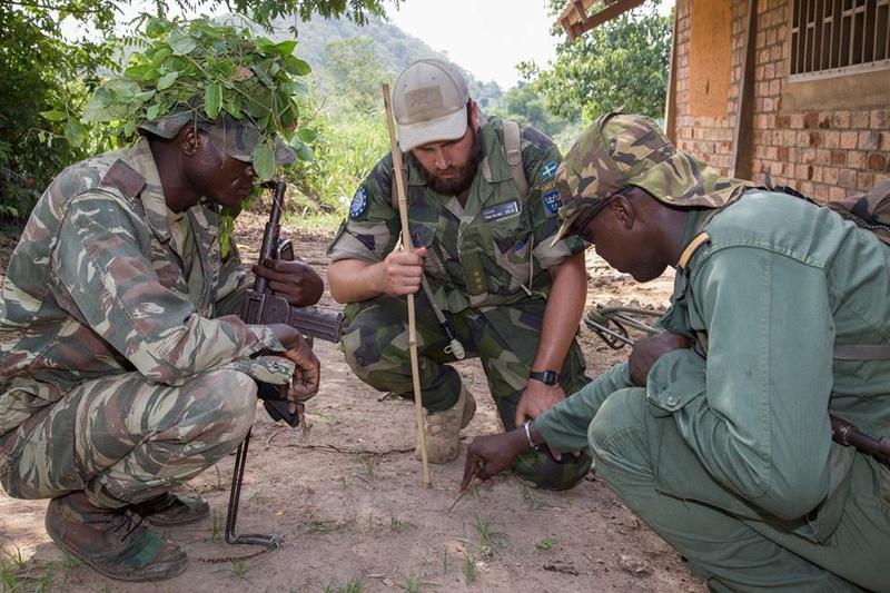 Armées de la République centrafricaine  - Page 3 6116