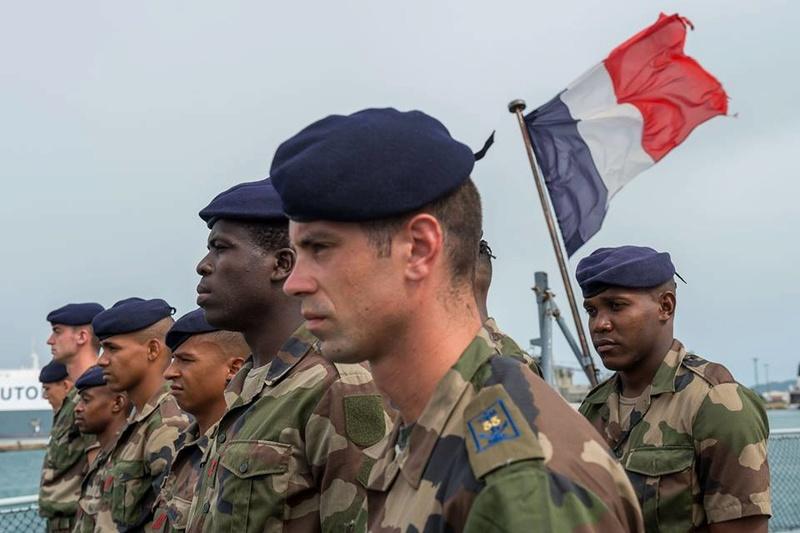 Armée Française / French Armed Forces - Page 38 6119