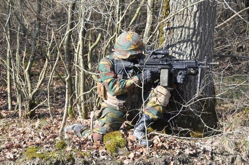 Armée Belge / Defensie van België / Belgian Army  - Page 10 6249