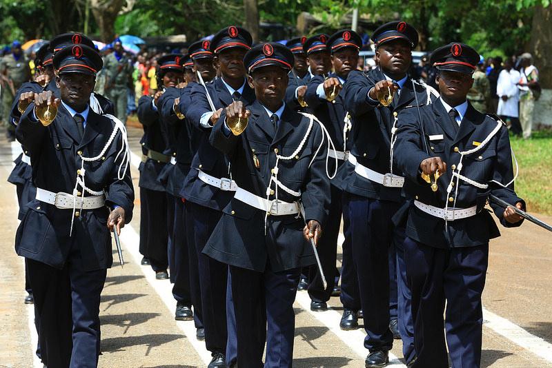 Armées de la République centrafricaine  - Page 3 6334