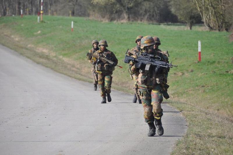 Armée Belge / Defensie van België / Belgian Army  - Page 10 6350