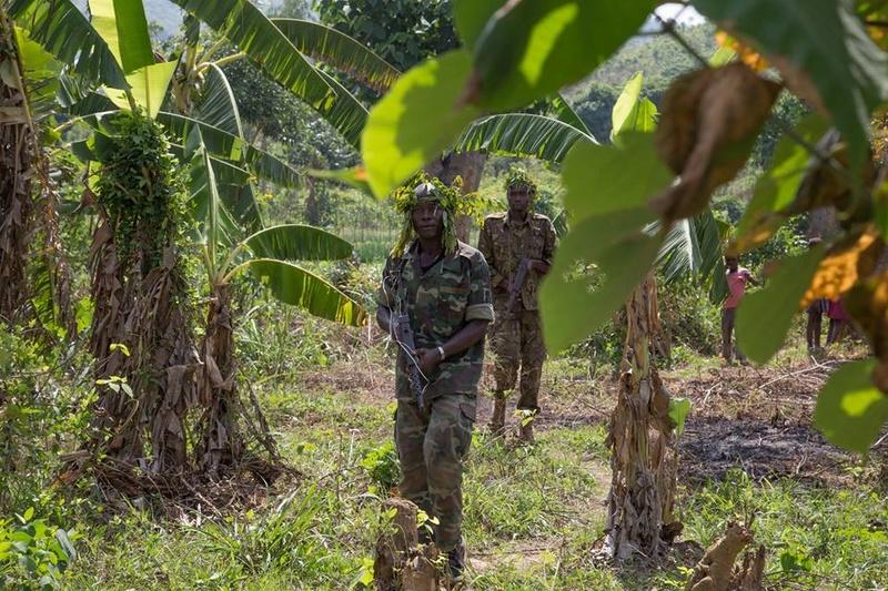 Armées de la République centrafricaine  - Page 3 6412