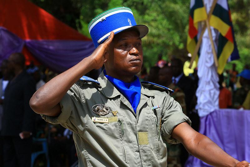 Armées de la République centrafricaine  - Page 3 6428