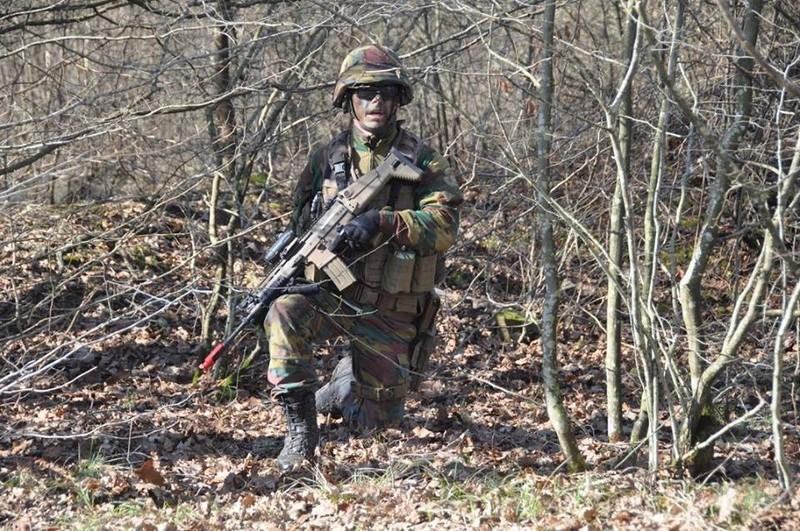 Armée Belge / Defensie van België / Belgian Army  - Page 10 6443
