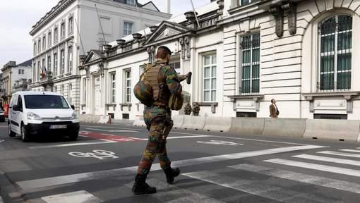 Armée Belge / Defensie van België / Belgian Army  - Page 10 6445